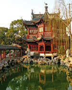 Shanghai - the Yuyuan Gardens, best example of classical Cjhinese gardens in Shanghai